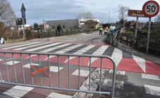 Regulación del tráfico en el puente de Cartes a Santiago por obras