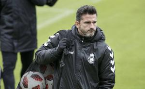 Iván Ania declara su intención de «cerrar una buena liga con una victoria»