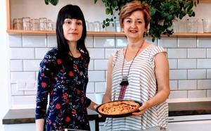 Cocinamos tarta de manzana en honor a la artista folk Filandera