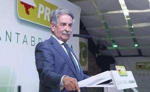 Revilla espera ganar «ampliamente» el 26M para «no hacer tanta concesión»