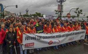 Más de 1.500 trabajadores de Sidenor y vecinos de Reinosa toman Santander