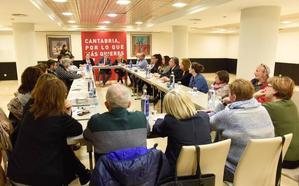 El PSOE se compromete a que Sanidad y Servicios Sociales vayan de la mano