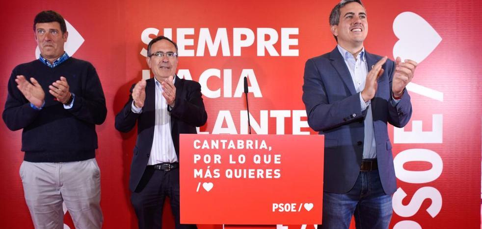 Zuloaga alerta en Torrelavega de los riesgos de que el PP vuelva a la Alcaldía