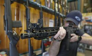 Los suizos aprueban endurecer la normativa sobre posesión de armas