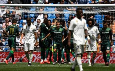 Sólo el fin del martirio alivia al Real Madrid