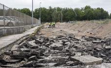 Comienzan los trabajos de reparación del pavimento de la carretera de Cros en Maliaño