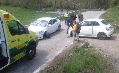 Dos heridos en una colisión frontolateral en Argüeso