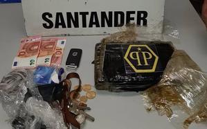 Un kilo de cocaína bajo el asiento del conductor