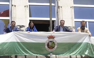 El Racing-Baleares se jugará este domingo, en plena jornada electoral, a las 18.30 horas