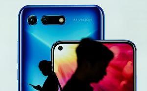 Trump da un plazo de tres meses antes de imponer el veto a Huawei y a sus móviles
