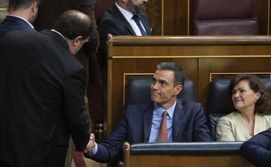 El PSOE se hace con la Mesa sin la ayuda de los independentistas