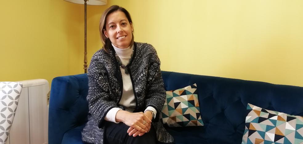Isabel Rodríguez: «Hay mucha gente sola en Cantabria y con ganas de recuperar la ilusión por el amor»