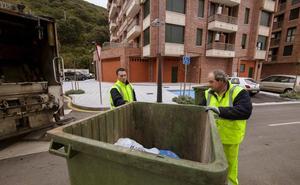 Santoña adjudica la limpieza viaria y la recogida de basuras a FCC