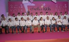 Veintisiete chefs con estrella Michelin cocinan juntos en un evento por la infancia