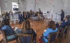 Álvarez aboga por un pacto en favor de las mujeres que quieran ser empresarias