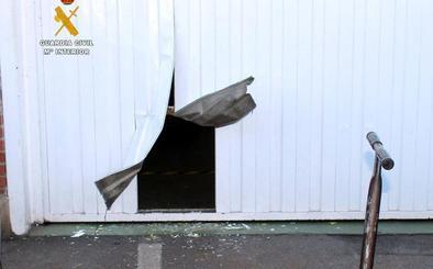 Detienen otra vez al ladrón de la cizalla, que abre portales como latas para robar en las oficinas