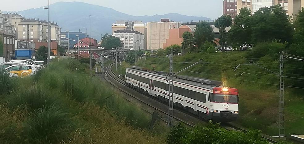 Adif adjudica por casi 18 millones de euros la duplicación de la vía entre Santander y Muriedas