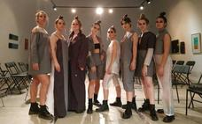 La santanderina Estela Gómez reinterpreta la soledad en prendas