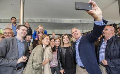 Buruaga asegura que Cantabria «necesita ahora más que nunca al PP»