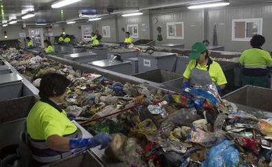 El reciclaje en Cantabria mejora por encima de la media española