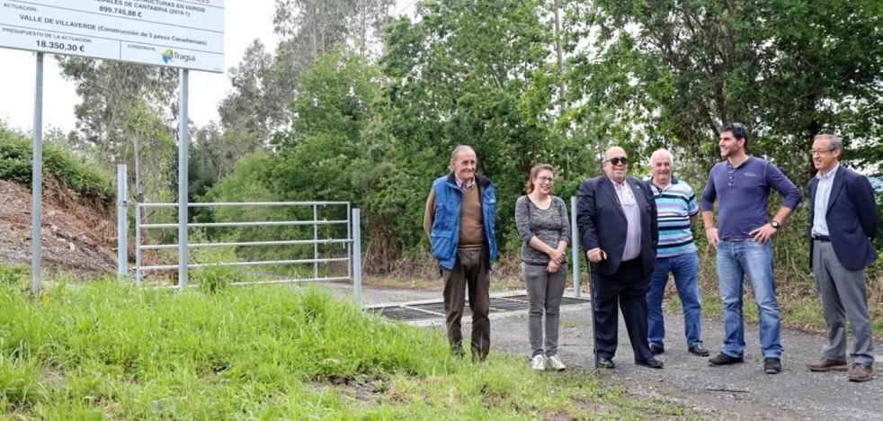Villaverde instala pasos canadienses en varios caminos rurales del municipio