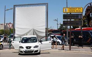 6f99015e0 Heridas tres jóvenes al ser atropelladas en Valencia por un taxista que  circulaba bajo el efecto