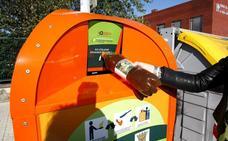 Torrelavega instala 3 puntos más de recogida de aceite usado e inicia una campaña informativa