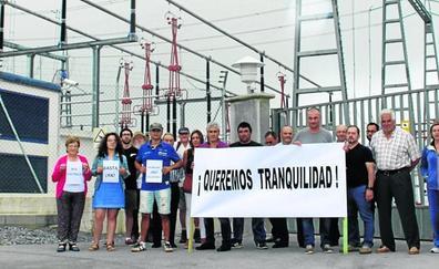 Afectados por el ruido de la subestación de Solórzano exigen soluciones ya a REE