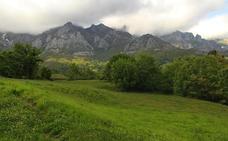 Camaleño plantea construir un campo de golf en el pueblo de Mogrovejo