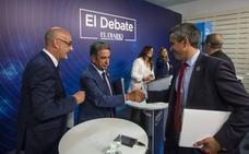 El pacto PRC-PSOE daría once alcaldes a los regionalistas y diez a los socialistas
