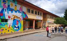 El colegio Gerardo Diego de Los Corrales de Buelna renueva su imagen