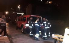 Una mujer es auxiliada en su casa de Linares tras caerse y estar tres horas tirada en el suelo