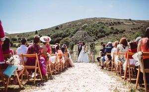 Me caso en Cantabria en una finca privada con carpa, ¿por dónde empiezo?