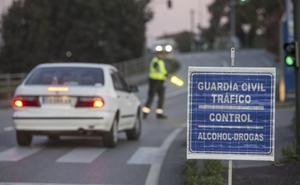 Un kamikaze y 22 positivos por alcohol y drogas en la ruta entre dos discotecas de Castro y Laredo