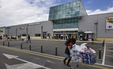 Carrefour contrata a 160 personas en Cantabria como refuerzo en la campaña estival