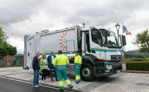 Polanco incorpora un moderno camión para la recogida de basura