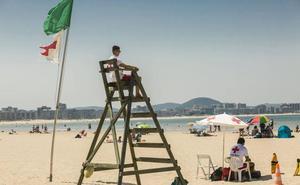 Laredo espera contar con servicio de socorrismo en su playa el 8 de julio