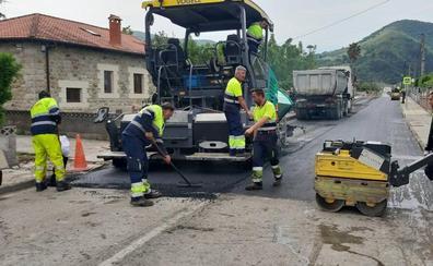 Los Corrales cierra el último plan de asfaltado de la legislatura en Somahoz