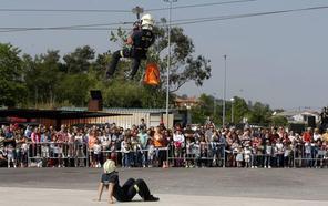 Casi 400 aspirantes optan a siete plazas de bombero en Santander