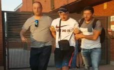 Dos primos, detenidos por el crimen de la calle Barcelona, desatado «tras una discusión por una chica»