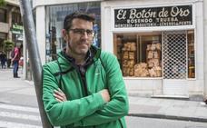 «Los rótulos retratan la identidad de las calles de Santander»