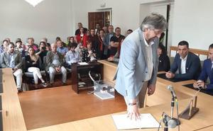 Consumado el pacto PRC-PP que convierte a Argumosa en el primer alcalde regionalista de Los Corrales