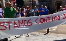 Concentración de apoyo a Juanjo Cobo en Cabezón de la Sal