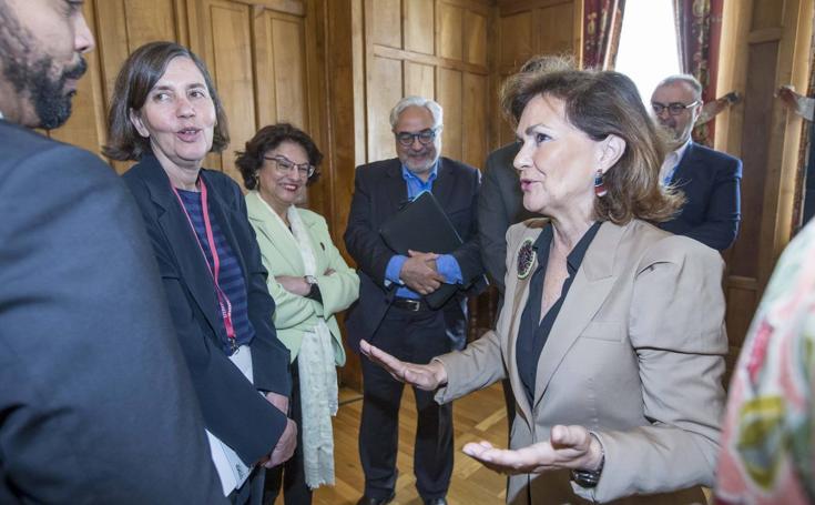 La vicepresidenta en funciones Carmen Clavo abre los cursos de la UIMP