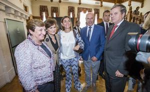 Carmen Calvo agradece a Revilla y al PRC su «disponibilidad política» para investir «pronto» a Pedro Sánchez