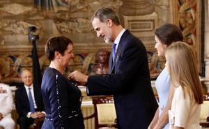 La capataz forestal cántabra Rosaura Campuzano recibe la Orden del Mérito Civil
