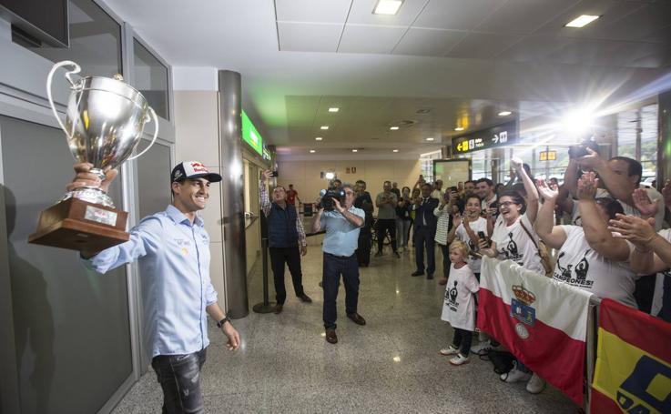 Dani Sordo regresa a casa tras su éxito en el Rally de Cerceña