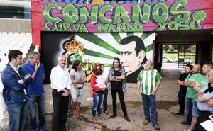 El Racing se compromete a defender el mural de Nando Yosu