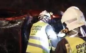 Un vecino de Cádiz en estado grave tras volcar su vehículo en la A-8 en Ambrosero