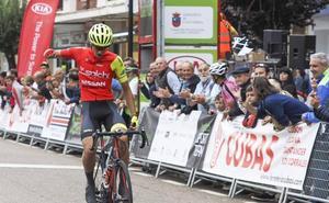 Pablo García, líder de la Vuelta al Besaya tras la primera etapa